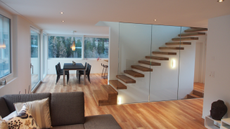 03-treppe-einfamilienhaus-efh-modern-glas.png